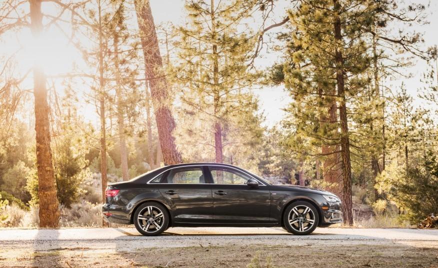 2017-Audi-A4-111-876x535