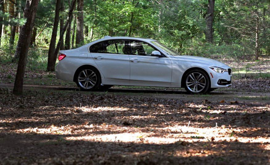 2017-BMW-330i-109-876x535