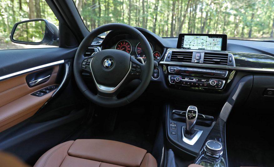 2017-BMW-330i-119-876x535